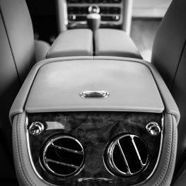 Console Bentley Mulsanne Limousine service